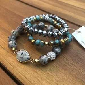 Jewelry - Stackable Stretch Bracelets Set Turquoise Gold